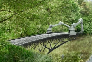 Futuristic Technology, MX3D Bridge, Robots, 3D-Print Steel, Steel Bridge, Canal In Amsterdam, Amsterdam, 3d printer, 3d printing, robot, robotics, futuristic robots