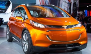 The Race for the Electric Car, Futuristic Cars, Electric Vehicle, Tesla-Model 3 vs Chevy Bolt